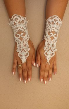 FREE SHIP Wedding Gloves ivory lace gloves  by WEDDINGHome on Etsy, $30.00
