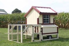 8027-14 - 4x4 Quaker Coop with Run and Wheels - In-Stock