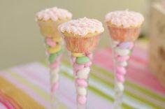 Unique Way to DIsplay Cupcakes