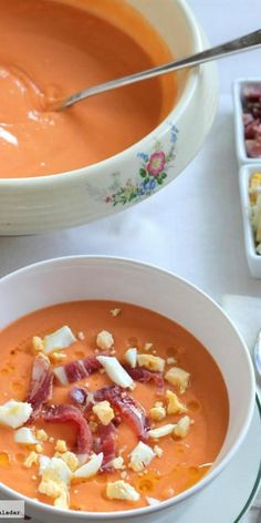 Salmorejo (instead of gazpacho ; Mexican Food Recipes, Soup Recipes, Vegetarian Recipes, Cooking Recipes, Healthy Recipes, Tapas, Spanish Dishes, Spanish Food, Happy Foods