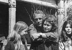 Paul Newman directing the 1972 TV movie The Effect of Gamma Rays on Man on the Moon Marigolds, which starred his wife Joanne Woodward, their daughter Nell Potts and Roberta Wallach.