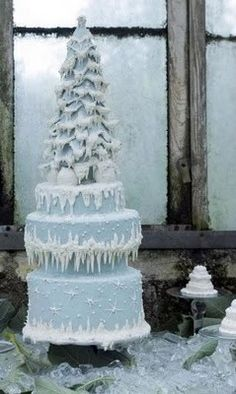 *DOUBLE GASP* ~Gorgeous ice blue winter Christmas tree cake. This is absolutely breathtaking...