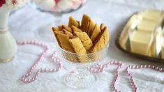 Yksi parhaista - Wilhelmiina-keksit munattomina - Suklaapossu Easy Baking Recipes, Icing, Cereal, Vegan, Cookies, Breakfast, Desserts, Food, Crack Crackers