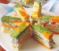 Culorile din farfurie: Tricolor Appetizer Cake with cream cheese Appetizer Plates, Appetizer Dips, Appetizer Recipes, Finger Food Appetizers, Appetizers For Party, Finger Foods, Finger Sandwiches, Sandwich Cake, Romanian Food