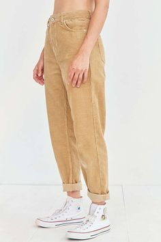 Shop BDG Color Corduroy Mom Pant at Urban Outfitters today. Mom Pants, Mom Jeans Outfit, Denim Outfit, Pretty Outfits, Cool Outfits, Summer Outfits, Casual Outfits, Colored Pants Outfits, Dream Closets