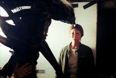 "1978 ALIEN on set photo of Veronica Cartwright (""Lambert"") and the alien. Alien Movie 1979, Aliens Movie, Great Sci Fi Movies, 80s Movies, Tom Skerritt, Alien Resurrection, Tony Scott, Predator 1, Alien Covenant"