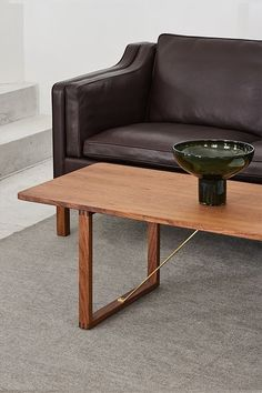 The BM67 Coffee Table has an understated authenticity that's appealing to the modern conscious consumer. Designed by Børge Mogensen in 1956 and launched by Fredericia #fredericiafurniture #BM67 #børgemogensen #interiordesign #danishdesign #scandinaviandesign #livingroomdecor #craftedtolast #modernoriginals #coffeetable #coffeetables Hotel Lobby, Danish Design, Scandinavian Design, Dining Bench, Living Room Decor, Lounge, Interior Design, The Originals, Coffee Tables