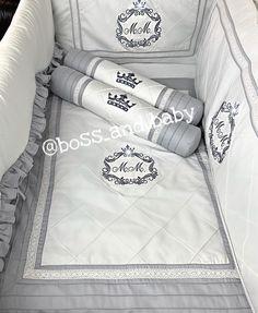 #moises #wieg #babybeddingsets #bossandbaby #kidsroomdecor #babyroomideas #babyroomdecor #nurseryideas #kidsroom #roundcrib Baby Boy Bedding Sets, Round Cribs, Baby Room Decor, Kidsroom, B & B, Bed Pillows, Pillow Cases, Nursery, Instagram