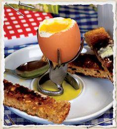 DIY egg stand