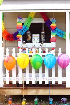 Candy filled mason jars as balloon weights! Great for party favors too! The rainbow colored marble balloons look beautiful in this setting. Birthday Party Desserts, Birthday Party Decorations, Birthday Parties, Fiesta Decorations, Dessert Party, Holiday Decorations, Dessert Table, Seasonal Decor, Rainbow Birthday