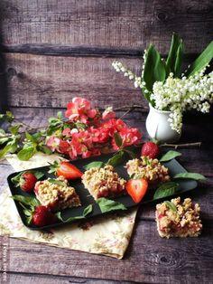 Rebarbarás-epres morzsasüti zabpehellyel | Tétova ínyenc