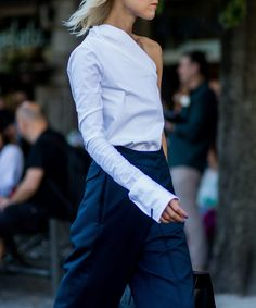 Learn from 10 street-style stars on how to be a minimalist without looking boring.