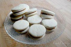 Αλφαχόρες (Alfajores) ⋆ Cook Eat Up! Biscuit Cookies, International Recipes, Doughnut, Tea Time, Delicious Desserts, Biscuits, Sweets, Bread, Baking