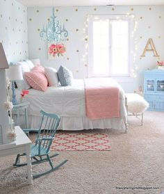 The farmhouse bedroom decoration style is about keeping the things simple an organic. It is classic, elegant and comfortable at the same time. The farmhouse bedroom design allows you to decorate with variety of accessories and furnishings that add a touch Girls Bedroom Furniture, Kids Bedroom, Bedroom Decor, Girl Bedrooms, Girls Bedroom Blue, 4 Year Old Girl Bedroom, Tween Girls Bedroom Ideas, Preteen Girls Rooms, Bedroom Mint