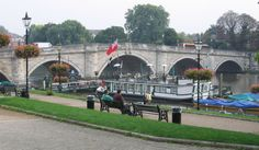 Richmond Bridge and riverside - List of crossings of the River Thames - Wikipedia, the free encyclopedia
