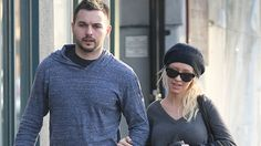 Christina Aguilera with her boyfriend Jan. in West Hollywood. Celebrity Couples, Celebrity Style, Celebs Without Makeup, Photo Makeup, Christina Aguilera, West Hollywood, Men Sweater, Boyfriend, Celebrities