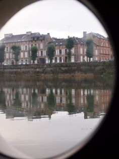 View from porthole of Chambres d'hotes Péniche hotel-boat Charleville-Mézières