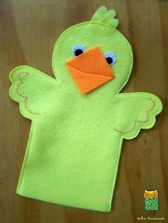 ideku handmade: hand puppets are coming! ideku handmade: hand puppets are coming! Glove Puppets, Felt Puppets, Puppets For Kids, Felt Finger Puppets, Puppet Patterns, Felt Patterns, Stuffed Toys Patterns, Puppet Crafts, Felt Crafts