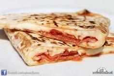 Cassone salame piccante, mozzarella e pomodoro #rimini #italianstreetfood #italianfood #piadina #piada #cucina italiana #Casinadelbosco Seguici: www.facebook.com/casinadelbosco
