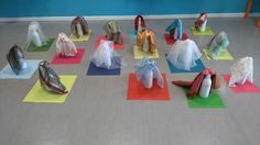 Resultado de imagen para juego heuristico reciclado Gross Motor Activities, Sensory Activities, Infant Activities, Movement Preschool, Preschool Science, Zara Kids, Reggio Emilia, Early Childhood, Baby Toys