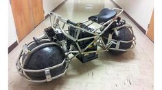 ウィル・スミス主演映画『アイ, ロボット(I, Robot)』に出てくる劇中車アウディRSQにインスパイアされたバイク。作ったのはカリフォル...