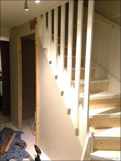 Utrymme/förråd under trappen