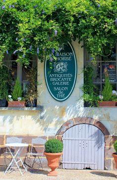 Ballade dans le Perche, la maison d'Horbé (photo lamèredelamule)  Très bel endroit, très bon accueil. Les pâtisseries sont délicieuses!