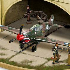 P-40 Flying Tiger Cuckoo Clock - detail