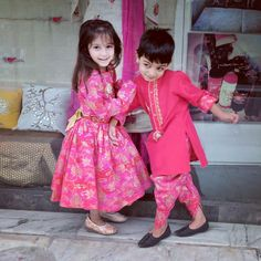 Pinterest@achyi Twin Outfits, Baby Boy Outfits, Kids Outfits, Matching Outfits, Kids Indian Wear, Kids Ethnic Wear, Frocks For Girls, Girls Dresses, Baby Dresses