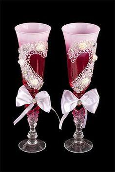"""Набор бокалов """"Розы"""", лепка, со стразами и бисером, матовое стекло, красный, 2 шт, 24 см http://ewrostile.ru/products/19759-nabor-bokalov-rozy-lepka-so-strazami-i-biserom-matovoe-stekl  Набор бокалов """"Розы"""", лепка, со стразами и бисером, матовое стекло, красный, 2 шт, 24 см со скидкой 499 рублей. Подробнее о предложении на странице: http://ewrostile.ru/products/19759-nabor-bokalov-rozy-lepka-so-strazami-i-biserom-matovoe-stekl"""