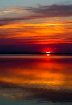 :) share moments amazing sunset reflection