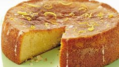 Try our lemon drizzle cake recipe. This easy lemon cake recipe is an easy round lemon drizzle cake recipe. Make our easy and moist lemon drizzle cake recipe Slimming World Cake, Slimming World Desserts, Slimming Recipes, Slimming World Chocolate Cake, Slimming Workd, Slimming World Puddings, Slimming Eats, Gluten Free Cakes, Gluten Free Baking
