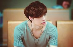 LAY/YIXING CANDID FACE IS JUST SO PERFFF<3