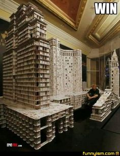 The Largest House of Cards in The World~ I wonder how long and how many packs of poker did he take~ House Of Cards, Deck Of Cards, Cool Pictures, Funny Pictures, Old Cards, Picture Fails, Large Homes, World Records, Amazing Art