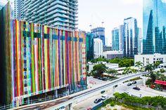 Hotel SLS Brickell (Miami) pintado por el artista Markis Linnenbrink. TENMAG Web June 2016