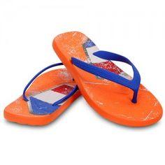 Hippe oranje slippers van het bekende merk crocs. Beken kleur en moedig Nederlands elftal aan op het WK met deze Chawaii Netherlands flip!
