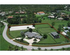 Florida horse facility - perfect use of space