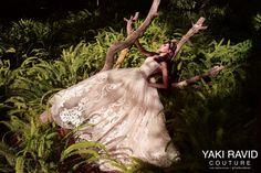 Blog OMG I'm Engaged - Vestido de Noiva de Yaki Ravid. Wedding dress.