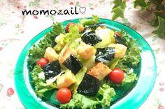 わが家の定番おかずサラダです - 168件のもぐもぐ - サラダ記念日レタスと海苔とカリカリ揚げのサラダレシピ⭐ by momozail