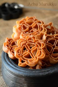 Achu Murukku Recipe without eggs - Achappam Recipe - Eggless Rose Cookies - Diwali Snacks — Spiceindiaonline Indian Dessert Recipes, Indian Sweets, Indian Snacks, Indian Recipes, Indian Appetizers, Diwali Snacks, Diwali Food, Diwali Recipes, Diwali Dishes
