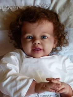 Reborn toddler girl by Ann Timmerman. this doll looks just like my daughter Jacquelene when she was little, except her skin colour was very white.