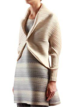 ivory pleated cape jacket - PLEATS PLEASE Issey Miyake