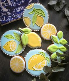 Cookies with lemon decorations Summer Cookies, Fancy Cookies, Cute Cookies, Cupcake Cookies, Cupcakes, Lemon Cookies, Iced Cookies, Cookie Icing, Royal Icing Cookies