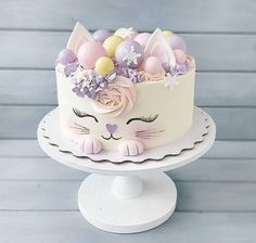 30 ideas for you meet kittens that will make you fall in love cake decorating recipes kuchen kindergeburtstag cakes ideas Birthday Cake For Cat, Beautiful Birthday Cakes, Beautiful Cakes, Cake Designs For Birthday, Birthday Cats, Little Girl Birthday Cakes, Animal Birthday Cakes, Creative Birthday Cakes, Birthday Ideas