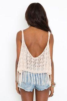 A espalda descubierta. Crochet y flecos. @lulita15 @ceciliaayerza YO QUIEROOOO
