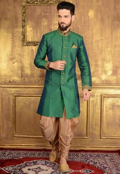 Indo Western Suit: Buy Indo Western Suit for Men Online Wedding Dresses Men Indian, Formal Dresses For Men, Wedding Dress Men, Wedding Men, Wedding Suits, Wedding Groom, Indian Weddings, Farm Wedding, Wedding Couples