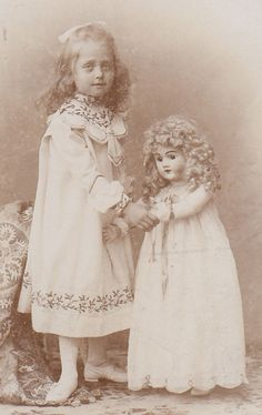 CDV: adorable little GIRL with lovely BIG DOLL TOY; Germany c 1900