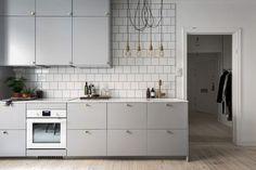 Wohnen: Die graue Küche - amazed Living: The gray kitchen - amazed Apartment Kitchen, Living Room Kitchen, Kitchen Interior, New Kitchen, Kitchen Decor, Kitchen Ideas, Kitchen Walls, Decorating Kitchen, Awesome Kitchen