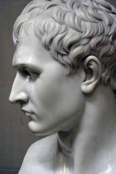 Napoleon - Antonio Canova