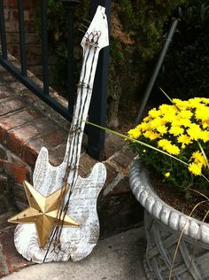 Repurposed Pallet Guitar Shooting Star with by montesanoalpacas, $64.00
